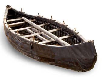 Skin boat replica by Albaola
